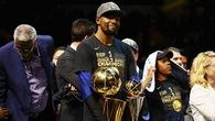 Kevin Durant đoạt 2 nhẫn, 2 Finals MVP trong 2 năm: Chính vì đã chán làm siêu sao cô đơn quá dễ dàng...