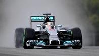 "Lewis Hamilton giục Mercedes khắc phục ""động cơ... xịt"" sau Canada GP"