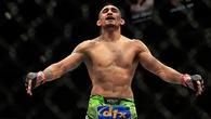 Những võ sĩ UFC nên sớm chuyển lên hạng cân trên (kỳ 1)