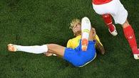 """Thực hư chuyện Neymar tái phát chấn thương vì bị hậu vệ Thụy Sĩ """"chặt chém"""""""