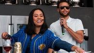 """Fan Rockets rủ nhau """"đánh sập"""" nhà hàng của vợ Curry"""