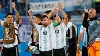 Truyền thông thế giới phát sốt với màn giải cứu Argentina thần kỳ của Rojo và Messi
