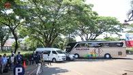 Olympic Nhật Bản dùng xe buýt làm rào chắn cho phần tập kín