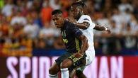 PSG gia nhập cuộc đua giành hậu vệ Juventus cùng MU
