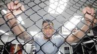 HLV: Martin Nguyễn đã lên nhận giải võ sĩ MMA Châu Á  của năm với cái chân sưng vù