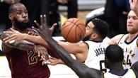 Pacers nên quyết đấu hay buông thả với LeBron James?