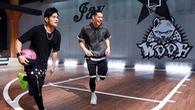 Thần tượng âm nhạc Châu Á trổ tài bóng rổ đánh bại Jeremy Lin