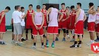 Các tuyển thủ bóng rổ mang giày gì chuẩn bị cho SEA Games 29?
