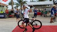 Ironman 70.3 Vietnam: 50 sắc thái của các VĐV ở khu chuyển tiếp