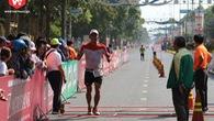 Ironman thoát chết khỏi đám cháy chung cư Carina Plaza đi xuyên đêm chạy marathon giải báo Tiền Phong