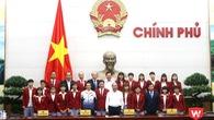 Thủ tướng ấn tượng với Ánh Viên, Tú Chinh, Kim Sơn và các cô gái vàng bóng đá nữ VN