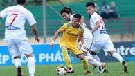 """Video: Pha lốp bóng ngoài vòng cấm của Phi Sơn """"đỉnh"""" nhất vòng 21 V.League 2017"""