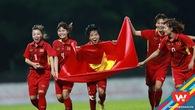 Cảm xúc vỡ òa khi các nữ cầu thủ Việt Nam lên ngôi hậu SEA Games 29