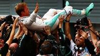 """Xuất phát kém, Hamilton """"tặng"""" chiến thắng Italian GP cho Rosberg"""