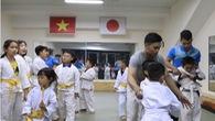 Hướng dẫn 3 kỹ năng tự vệ đơn giản cho trẻ em