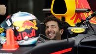 Ricciardo, Raikkonen thay nhau dẫn đầu màn chạy thử ở Bahrain Grand Prix