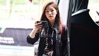 Bất đồng với LĐBĐ, nữ trưởng đoàn xinh đẹp rời U22 Thái Lan
