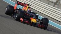 Video: 5 khoảnh khắc điên rồ khó tin trên đường đua China GP