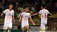 Video: Pha sút phạt thần sầu của Sỹ Minh lọt Top 5 bàn thắng đẹp vòng 7 V.League 2018