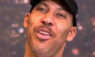 LaVar Ball đổ dầu vào ngọn lửa Lakers, ESPN chịu chỉ trích dữ dội