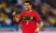 """Ronaldo """"lợi dụng"""" Pepsi để giúp đỡ trẻ em nghèo"""
