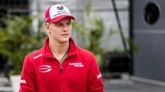 """Thăng hoa ở giải F3 sẽ mở ra cánh cửa vào đội đua Ferrari cho Schumacher """"con""""?"""