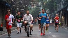 Phạm Thị Huệ vô địch trong lần đầu chạy marathon ở giải chạy di sản Hà Nội