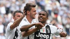 Tin bóng ?á ngày 11/11: Chelsea và Arsenal ??i chi?n vì sao Juventus