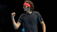 """5 điều thú vị về Alexander Zverev, """"ngựa ô"""" vừa đánh bại Djokovic để vô địch ATP Finals"""