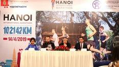 Giải chạy marathon quốc tế Hà Nội: Không chỉ tối xem múa rối ngày đi Văn Miếu