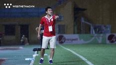 Bị Hà Nội FC ngược dòng không tưởng, HLV Nam Định ước còn xỏ giày vào sân được
