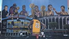 Tranh vẽ LeBron James lại tiếp tục bị tàn phá