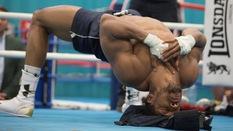 Tầm quan trọng của việc rèn cơ cổ trong MMA - Quyền Anh