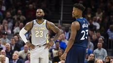 """Siêu sao lớn nào cũng đang """"chạy trốn"""" LeBron James, nhưng vì sao?"""