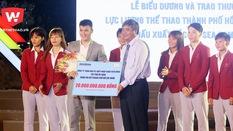 Công Vinh trao tài trợ 20 tỷ cho bóng đá nữ TP.HCM