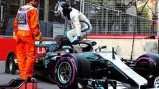 Bottas mất chức vô địch Azerbaijan GP cho Hamilton vì đen đủi?