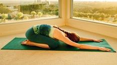 4 bài tập yoga đơn giản chữa bệnh đau lưng