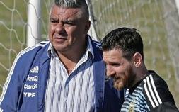 Chủ tịch LĐBĐ Argentina lên tiếng trước mối lo Messi chia tay ĐTQG