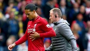 Tin bóng đá ngày 16/10: Van Dijk liên tục phải tiêm giảm đau để thi đấu
