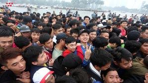 Cò vé rao giá 2.5 triệu/1 vé trận Việt Nam-Malaysia, cơ quan an ninh vào cuộc xử lý