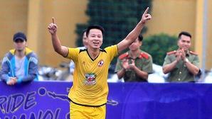 """Minh """"híp"""": """"Sao mai"""" điển trai và... thần tài của FC Gia Việt"""