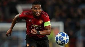 Đội trưởng Man Utd tiết lộ lí do thực sự bị Jose Mourinho gạt khỏi đội hình