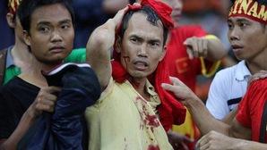 """Hooligan tại Malaysia còn """"hiền"""" chán so với những đội Ultras ai cũng muốn né!"""