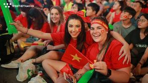 """CĐV TP.HCM tiếc nuối khi Việt Nam """"để vàng rơi"""" trên sân Malaysia"""