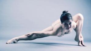 Ngắm nhan sắc hút hồn của Đại sứ Yoga Việt Nam Nguyễn Hiếu