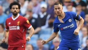 """Huyền thoại Liverpool nêu lý do Eden Hazard vẫn """"ngon"""" hơn Mohamed Salah"""