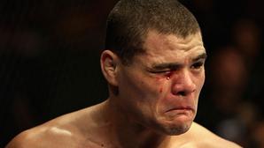 Những chiêu trò chưa bao giờ bị trừng phạt thích đáng trên sàn MMA (kỳ 1)
