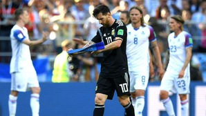 Messi làm những điều mà Maradona và Ronaldo không làm được