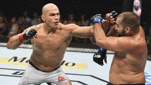 UFC Fight Night 133: Sự trở lại của Junior dos Santos!