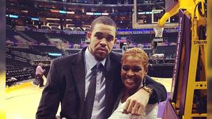 JaVale McGee đến Lakers không phải chỉ do LeBron James mà còn là vì mẹ